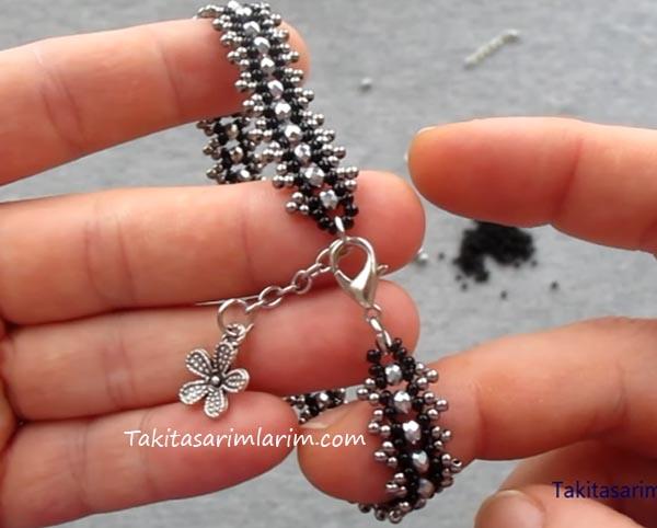 kristal-ve-kum-boncuklu-zarif-bileklik-modeli